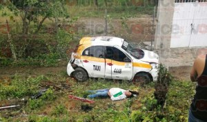 Muere taxista tuxtleco en aparatosa volcadura