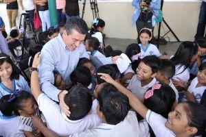 """Inaugura Rutilio Escandón aulas dignas en Escuela Primaria """"Joaquín Miguel Gutiérrez"""""""