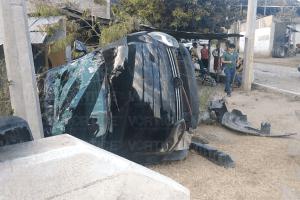 Volcadura en Chiapa de Corzo deja dos heridos