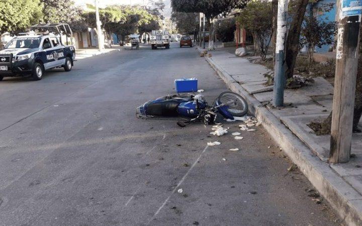 Camioneta atropella a motociclista en Terán