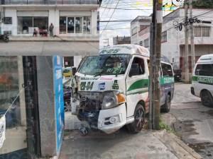 """""""Colectivazo"""" en la zona centro deja cinco heridos"""