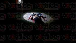 Muere joven tras impactarlo un taxi