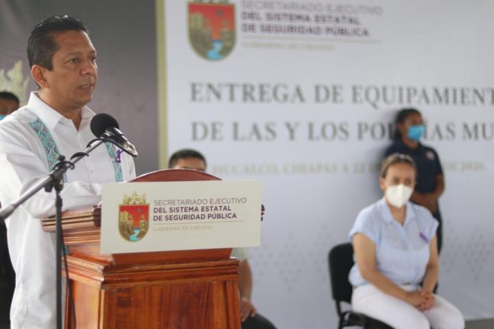 En unidad se construye la transformación en Chiapas: Llaven Abarca