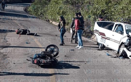 Muere motociclista tras chocar contra un taxi en Pantelhó