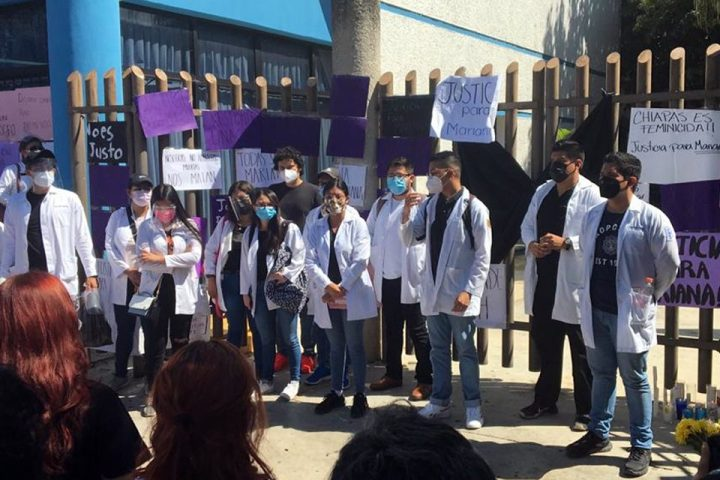 """""""Unach feminicida"""", exclaman estudiantes y exigen justicia"""