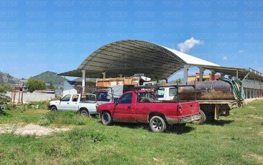 Retienen 7 unidades del Ayuntamiento de Teopisca por obras inconclusas