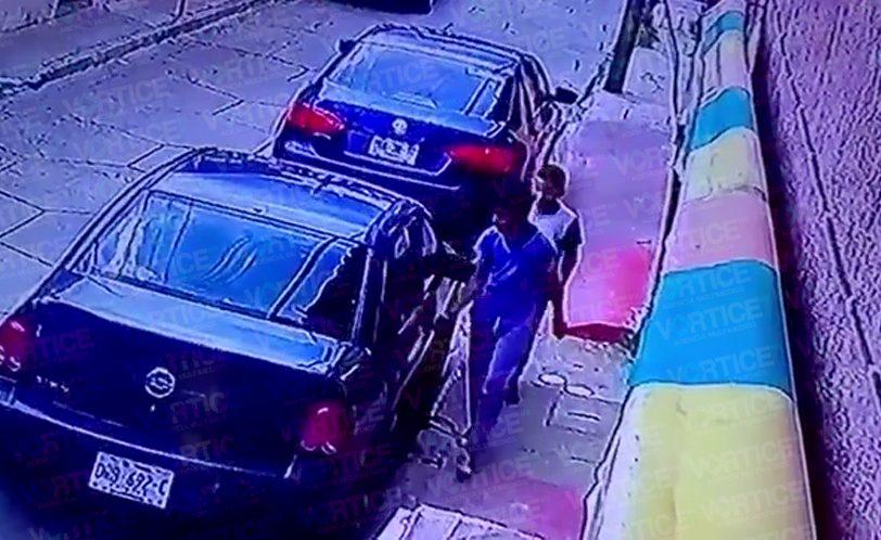 Detienen a jovencitos que rayaron más de 60 autos en San Cristóbal