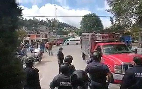 Organización bloquea entrada de la policía de San Cristóbal