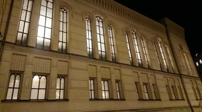 European Synagogues Keep On Their Lights To Mark 1938 Kristallnacht Pogroms 1