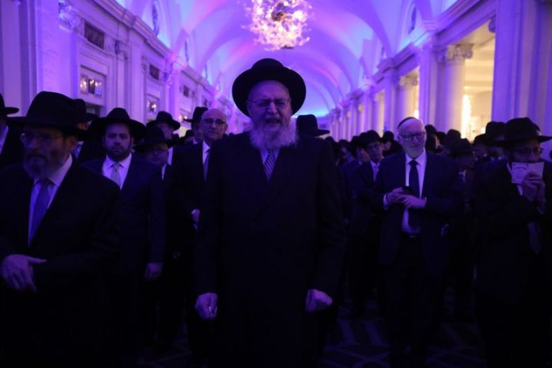 Larger Than Life – Sheloshim Of Rabbi Sheftel Neuberger 19