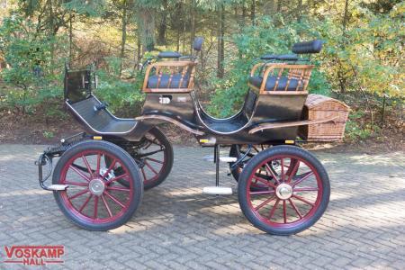 Koets Boheme 06227 voskamp hall recreatiewagen Rood met zwart en hout