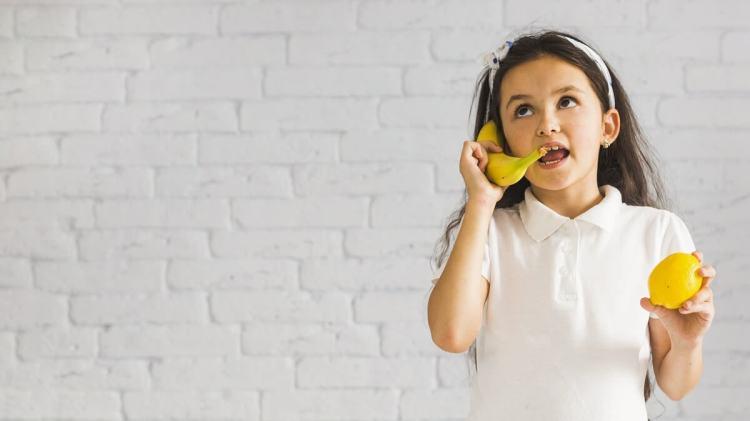 Развитие речи: девочка говорит