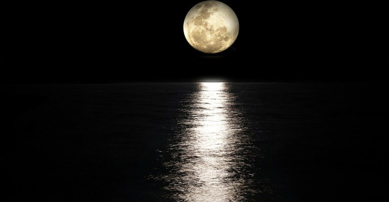 mesiac moon-2762111_960_720(1)