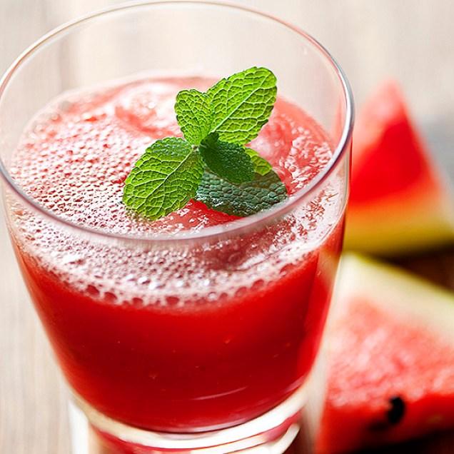 agua de berinjela e melancia
