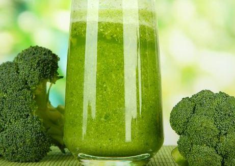 Suco-de-Couve-com-Brócolis