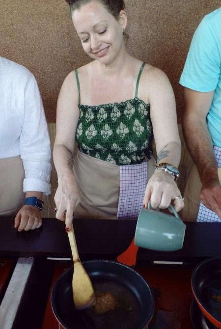 Paon Cooking Class Ubud Peanut Sauce 1