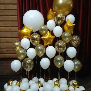 Фотозона из шаров Бело-золотая