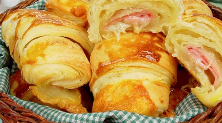 Croissant de presunto e queijo, lanchar é bom mas lanchar um croissant é melhor ainda!