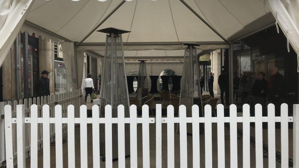 """Barrière de clôture blanche en bois """"VIP"""""""