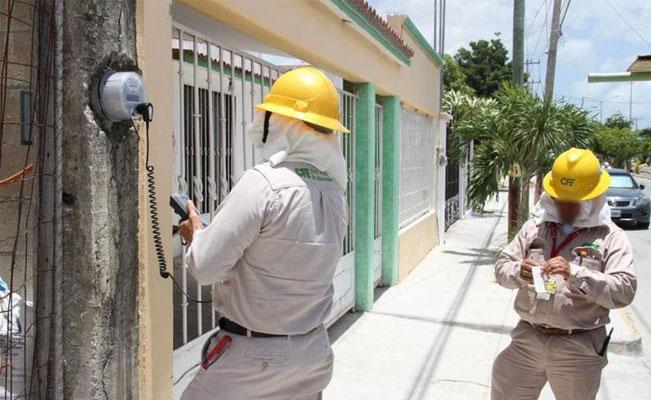 Ladrones se disfrazan de empleados de CFE y roban 164 mil pesos
