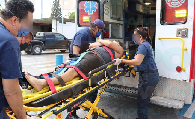 Sufre aparatosa caída de las escaleras y lo hospitalizan en NLD – Vox Populi Noticias