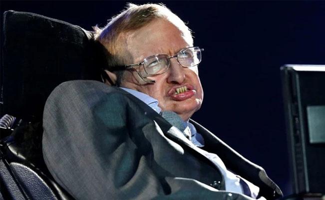 Stephen Hawking predijo en 2001 que una pandemia acabaría con la humanidad