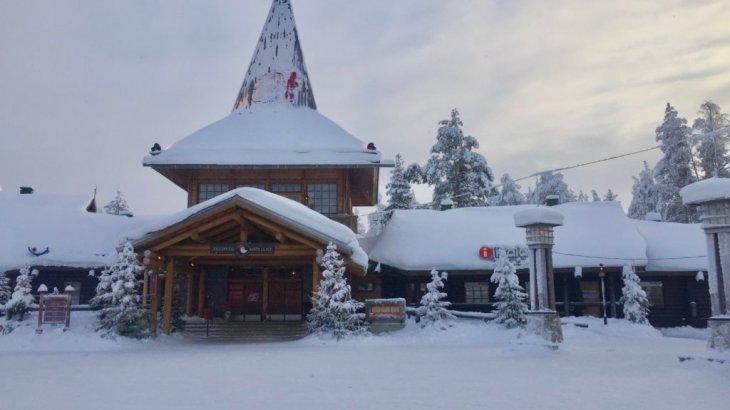 """【フィンランド観光】《ロヴァニエミ》""""サンタクロース村""""にコインロッカーはある?"""
