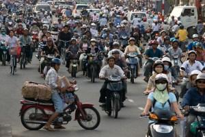 Circulation dense à Saigon ! Vive les motorbikes au Vietnam :-)