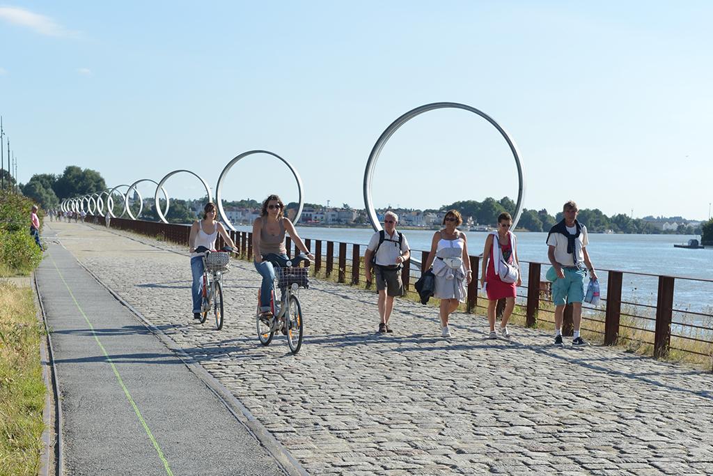 Bike ride along the green line in Nantes