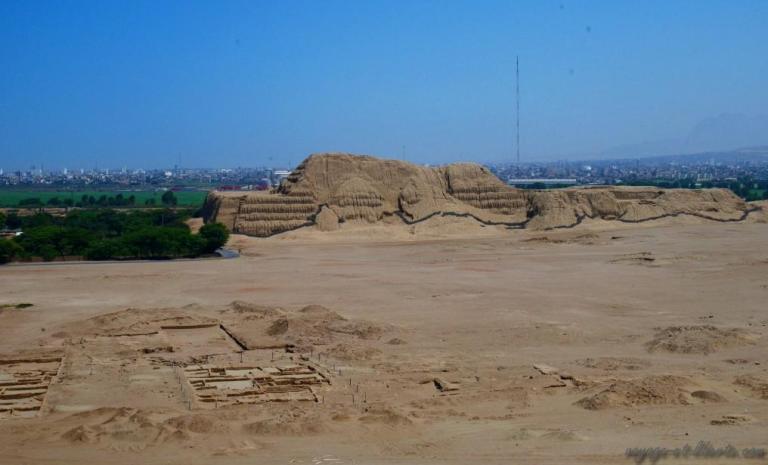Juste en face, la Cuesta del sol, construite sur le même principe, mais non encore fouillée par les archéologues