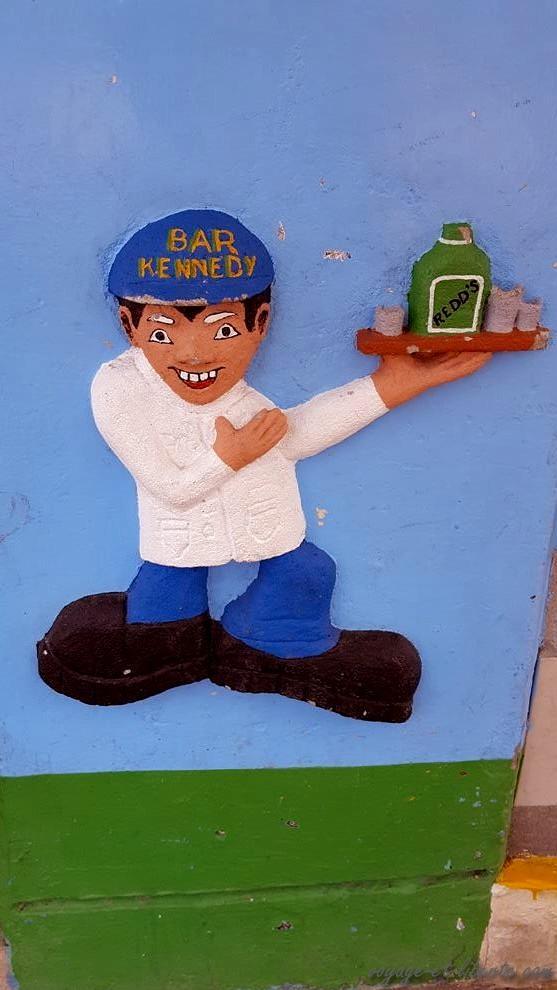 zocalos-Guatapé-street-art