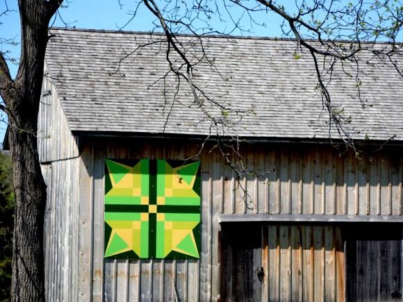 Alt tag: Motif vivant de courtepointe de grange dans le comté d'Elgin