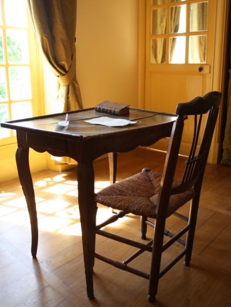 Table de travail de Rousseau, Musée Montmorency © Armand Berteigne