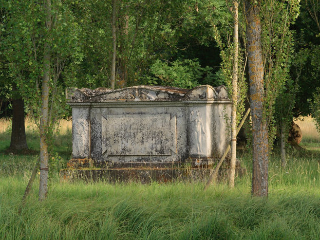 Cénotaphe de J-J. Rousseau, Parc J-J. Rousseau, Ermenonville © Parc J-J. Rousseau