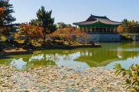 Jean-Marc Gyphjolik visite les temples coréens