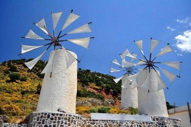 Jean-Marc Gyphjolik découvre les petites moulins à vent Grecs