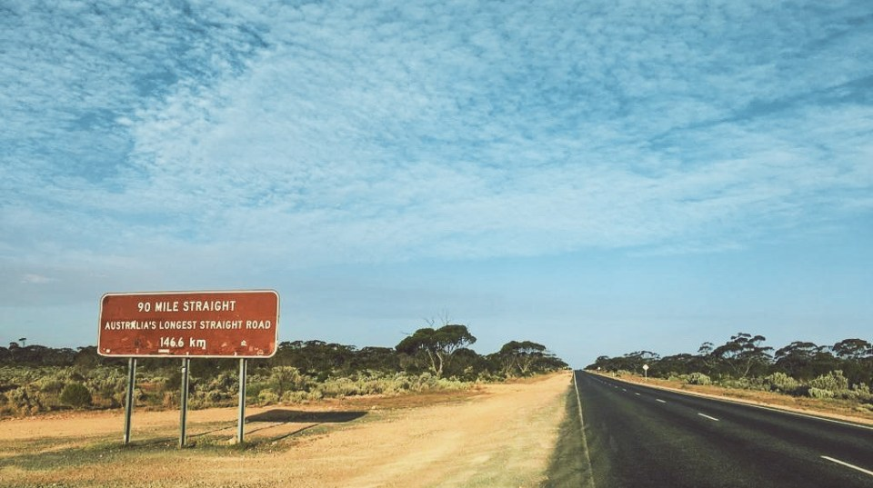 Conduire en Australie : La plus longue ligne droite d'Australie avec 146.6km