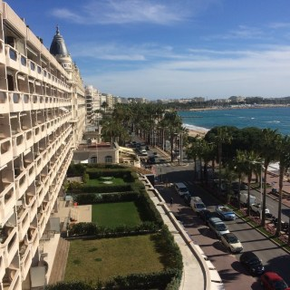 Cannes - la Croisette vu JW Marriot
