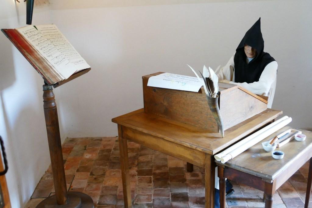 Abbaye de Cîteaux - reproduction du travail de copie des moines