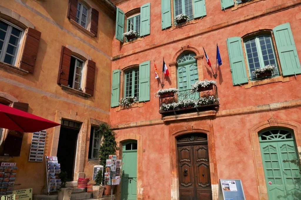 Roussillon (Vaucluse) place centrale