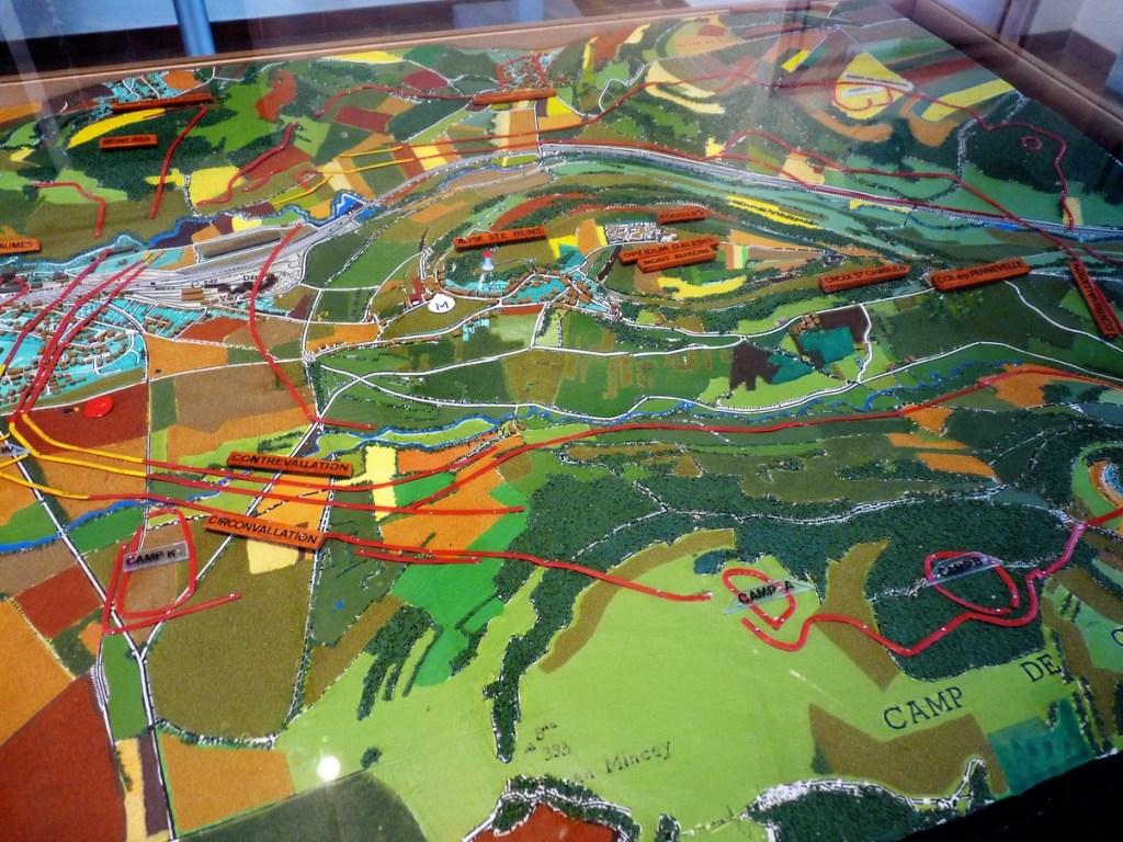 Alésia - Alise-Sainte-Reine - plan des fortifications de César