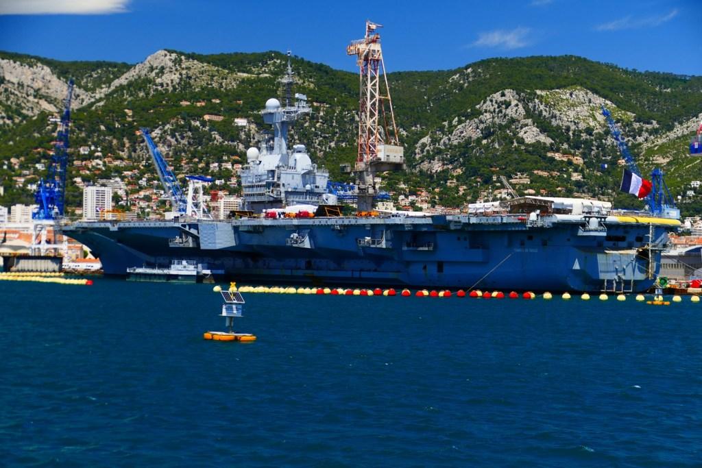 Rade de Toulon: porte-avions Charles de Gaulle