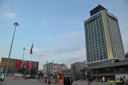 17754ca466 84802192 p RETOUR A ISTANBUL