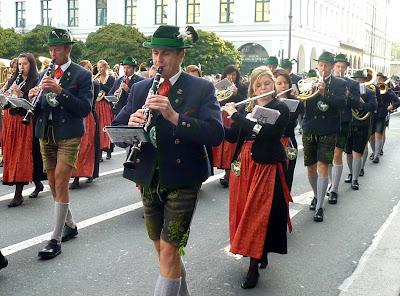 fete de la biere munich oktoberfest 2012 defile folklorique