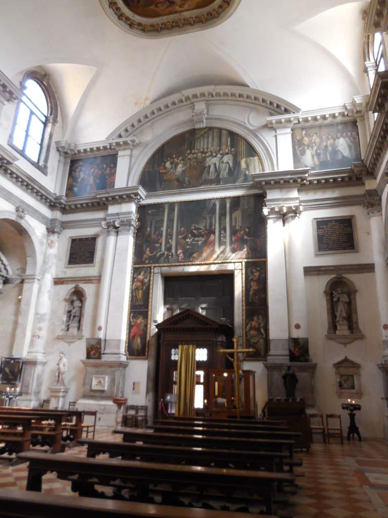 2ème église visitée et déjà nous remarquons les superbes peintures présentes sur toutes les surfaces.