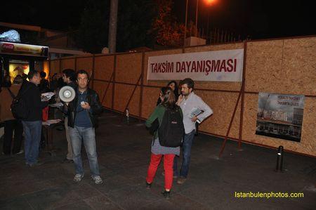 66142 81045212 p Vivre a Istanbul Taksim et Tarlabasi : la fin dun quartier populaire