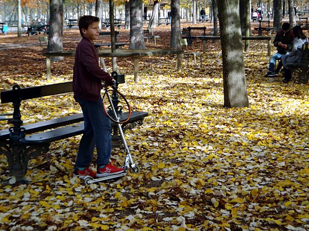 kid paris luxembourg automne