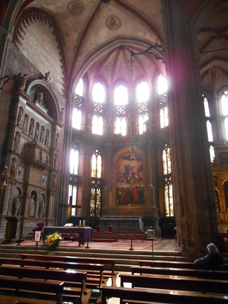 """La chapelle majeure et son oeuvre principale: """"l'Assomption"""" du Titien."""