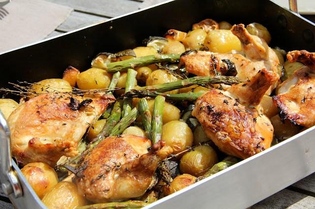 Recette de poulet roti au vin blanc aux pommes de terre, asperges vertes et citron (Cuisine anglaise) 1