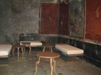 Reconstitution salon intérieur à Pompéi